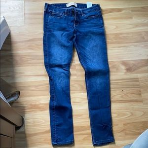 Dark wash super skinny Hollister jeans